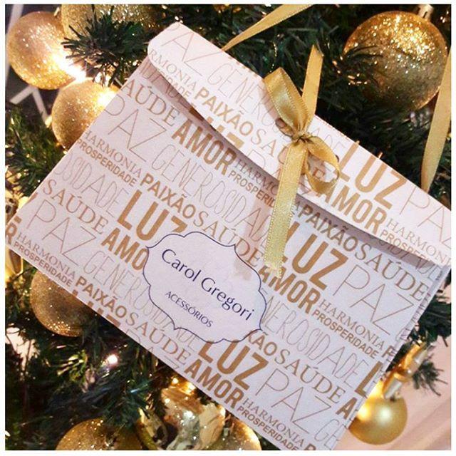 Faltou algum presente? Apareceu alguém de última hora? Vem pra loja que ainda dá tempo! 👏🎁 Hoje a loja está aberta até às 19h e amanhã em horário especial das 9h às 13h. 🎉🎁❤🎄 #presente #natal #pulseira #anel #colar #brincos #festa #alegria #amor #christmas #gift #bracelet #ring #necklace #earrings #party #joy #lobe #instagood #instamood #instalook #instafashion #instagift