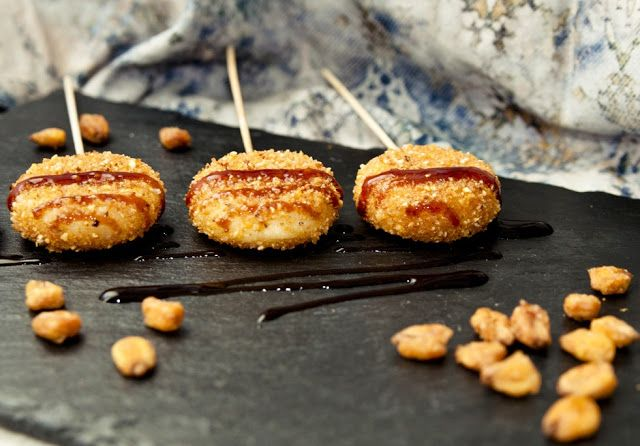 Piruletas de Mini Babybel y kikos | Cosy & Chef
