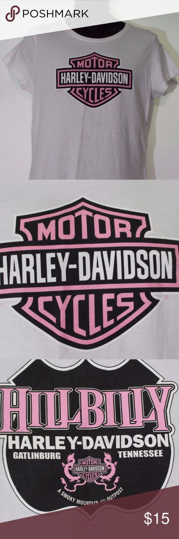 Harley-Davidson-Womens-White-Tee-Shirt-Hill-billy This is a ladies very gently used Harley Davidson white tee shirt  Hillbilly Gatlingburg, TN  Size XL   The shirt measures approx. 17 inches across the chest laying flat  It is 28 inches in length Harley-Davidson Tops Tees - Short Sleeve