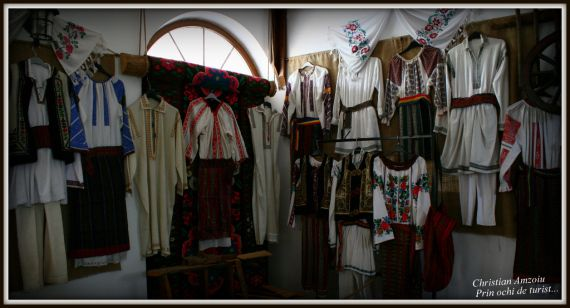 Tailoring. Traditional outfits from around Romania.