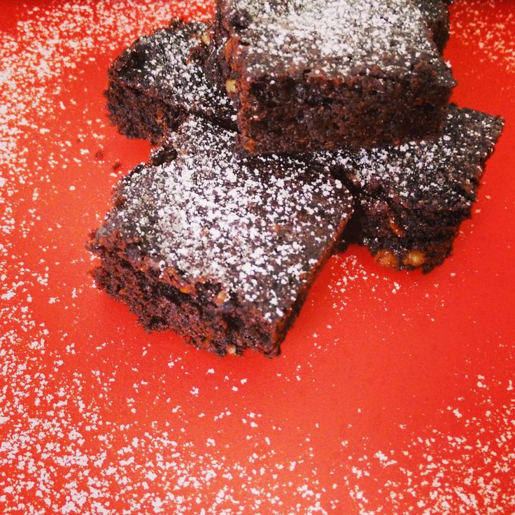 Rich, moist and super easy Chocolate Walnut Brownies