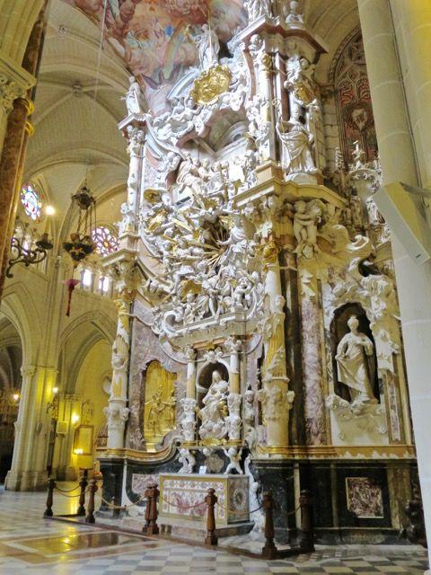 el-transparante-altar-toledo-cathedral-photo