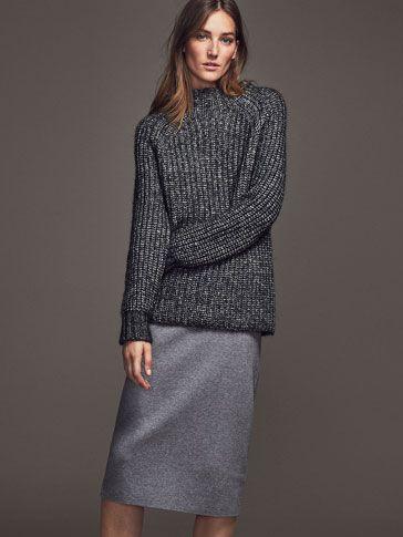 Faldas de mujer de Massimo Dutti. Encuentra en la colección de otoño invierno 2016 faldas lápiz o plisadas y de vestir, ante, guipur o tricot. ¡Elegancia natural!