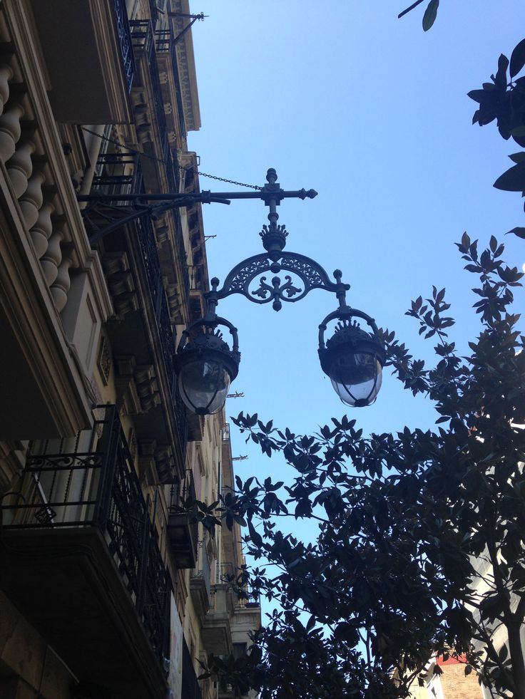 Lamppost with style in Gracia
