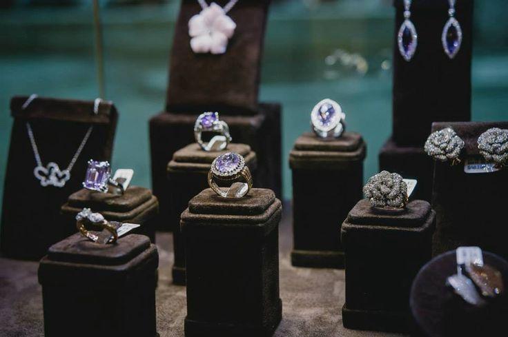Este dimineața, haideți să începem săptămâna frumos, încântându-ne privirea cu bijuterii Sabion.