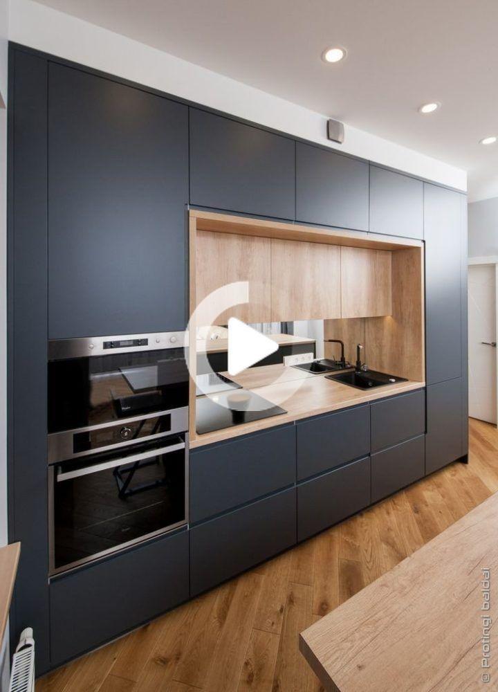 Meubles De Cuisine Meubles Intelligents Meubles A Prix Raisonnable Backsplash In 2020 Simple Kitchen Design Kitchen Room Design Modern Kitchen Cabinets