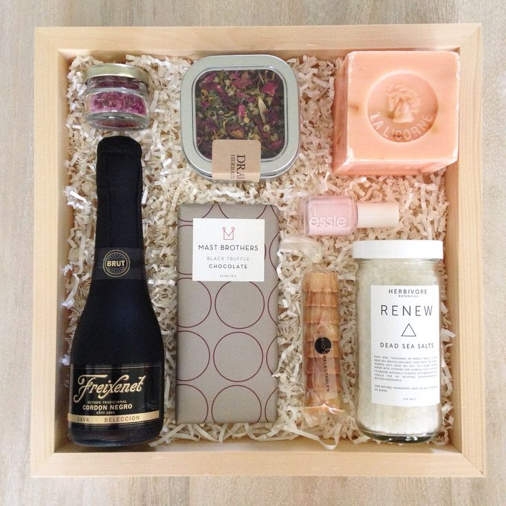A custom Teak & Twine gift box from a bride to her bridesmaids   hello@teakandtwine.com