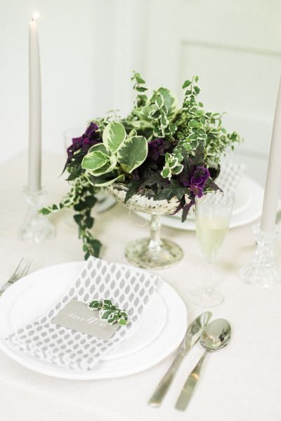 Nothing inspires more than fresh floral decor. Here's a DIY living plant centerpiece idea that is super easy & that you'll love to have at your next dinner party!