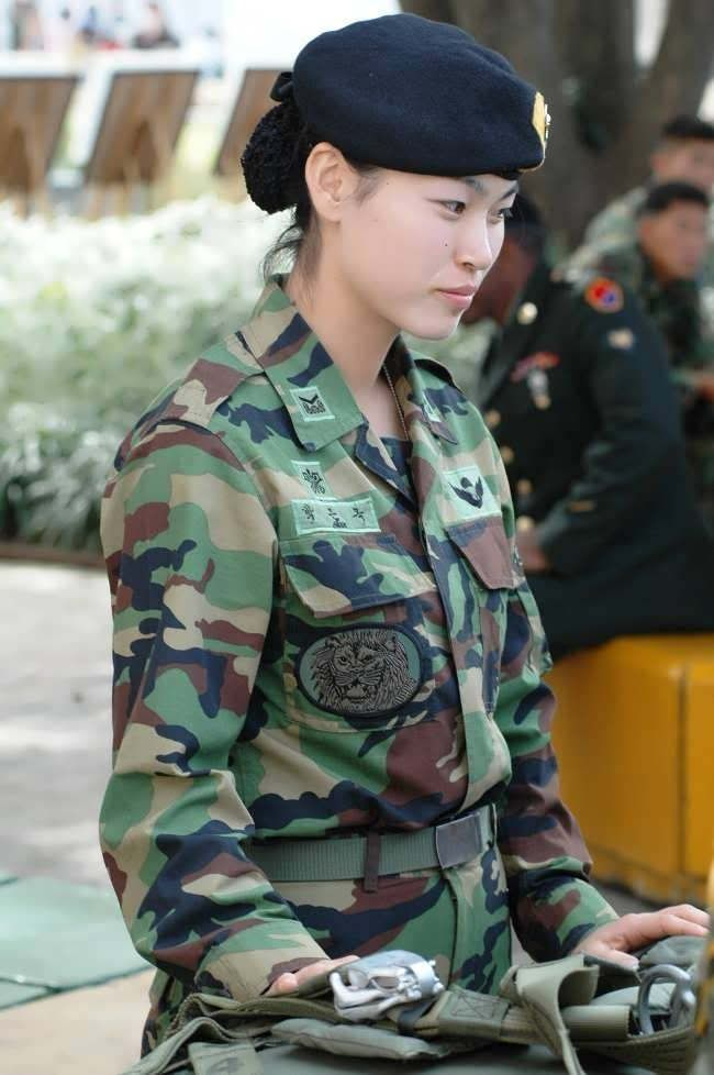Korean army girls — photo 10