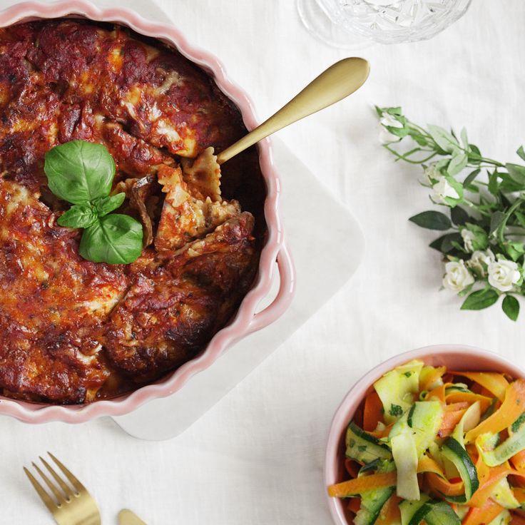 Auberginegratäng med raw sallad - Recept - Tasteline.com