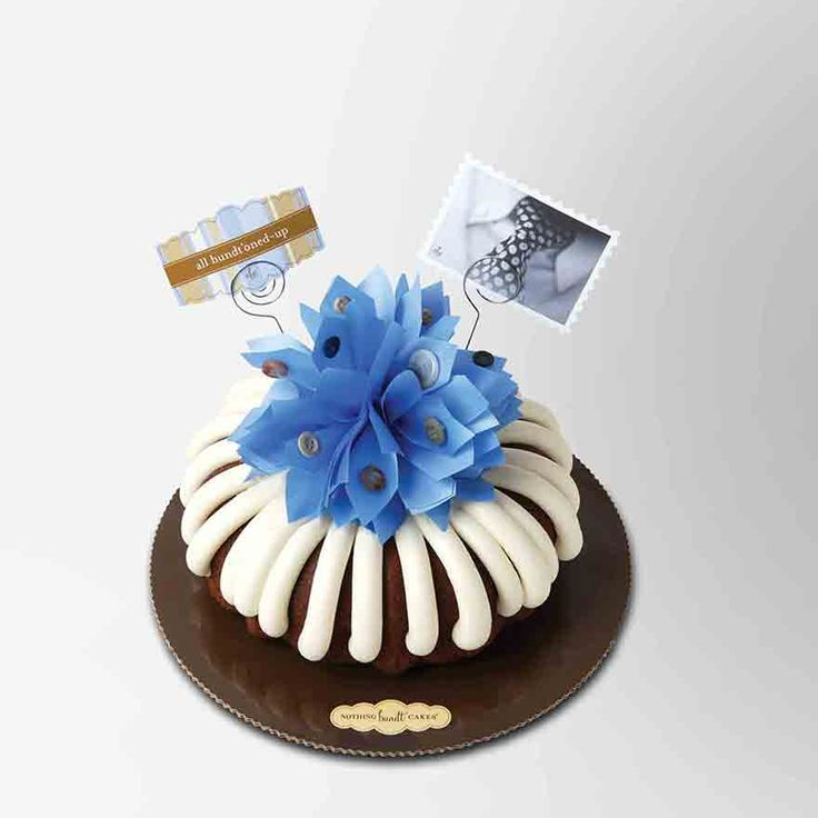 Sweeten his day with stripes of buttercream and buttons