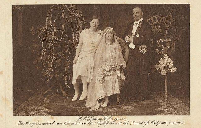 Silberhochzeit Königin Wilhelmina der Niederlande und Herzog Heinrich von Mecklenburg - Schwerin 1926 by Miss Mertens, via Flickr