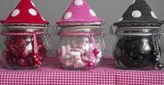 Jammie, jammie.... smakelijke potjes in paddenstoelen vorm.   Eindelijk ben ik eens zover om een patroontje uit te schrijven.... eigenlijk h...