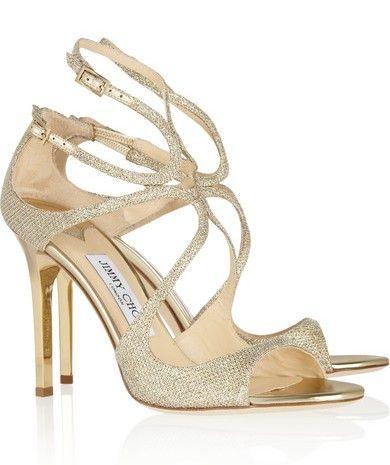 Les sandales à talons en lamé texturé dorée Lang de Jimmy Choo. Source : Nuagemode.fr