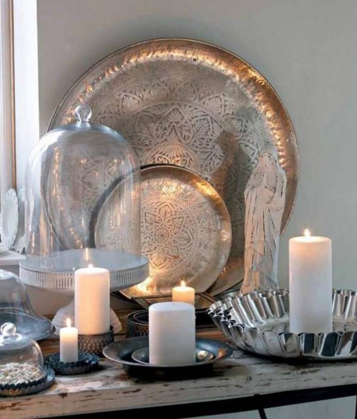 Cr ez une ambiance charmante en utilisant le plateau marocain for Objet deco pour salon