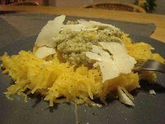 Spaghetti pompoen,met de advocado saus en wat pecorino kaas - De Groene Mama