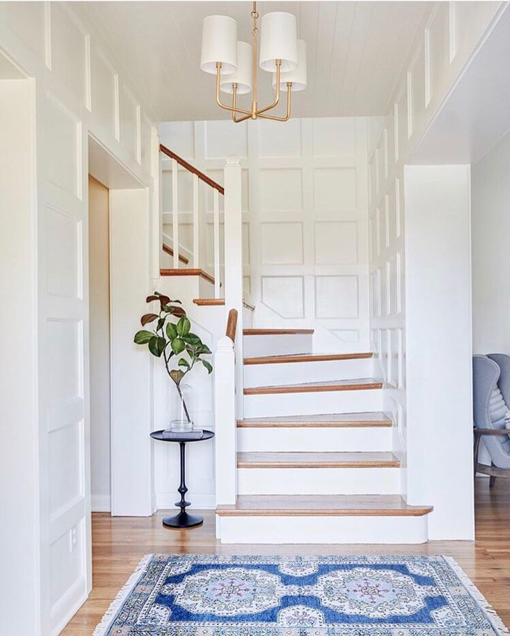 """3,999 Likes, 38 Comments - Caitlin Wilson (@caitlinwilsondesign) on Instagram: """"A picture perfect entry way featuring our Navy Soleil Rug! : @lexiwestergard_design {Shop rugs 15%…"""""""