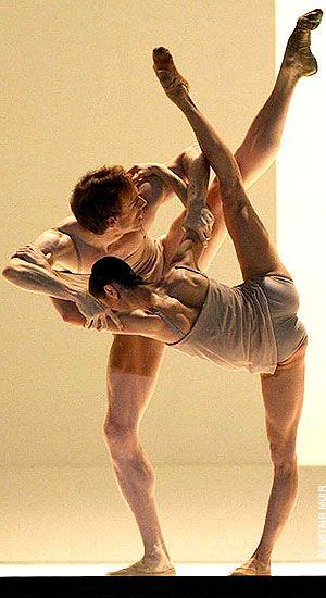 Alina Cojocaru and Edward Watson, Wayne McGregor's Chroma, Royal Ballet