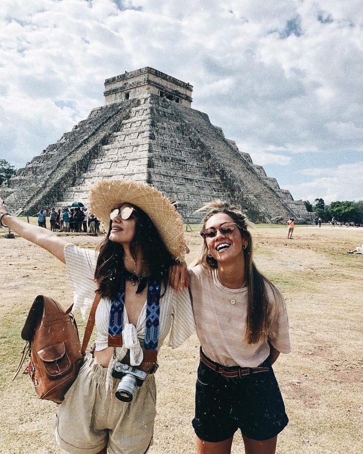"Carlota Weber Mazuecos op Instagram: ""to travel is to live. #TOUSeyewear @tousjewelry #TOUSjewelry #TOUSLovers #LetsVoiash"" • Instagram"