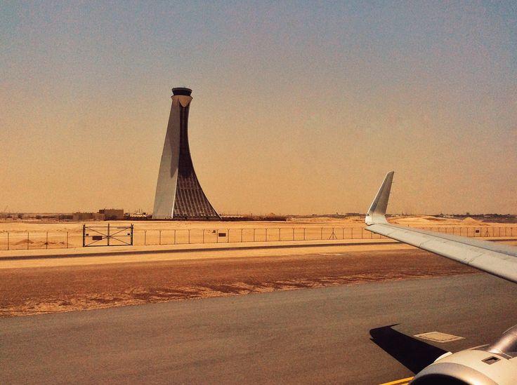 #Controll #tower ##abudhab#abudhabi #taxi to #runway #desert #sand #etihadairways @andreaturno #andreaturno #ipad_photo #ipadair #flying #wing #plane
