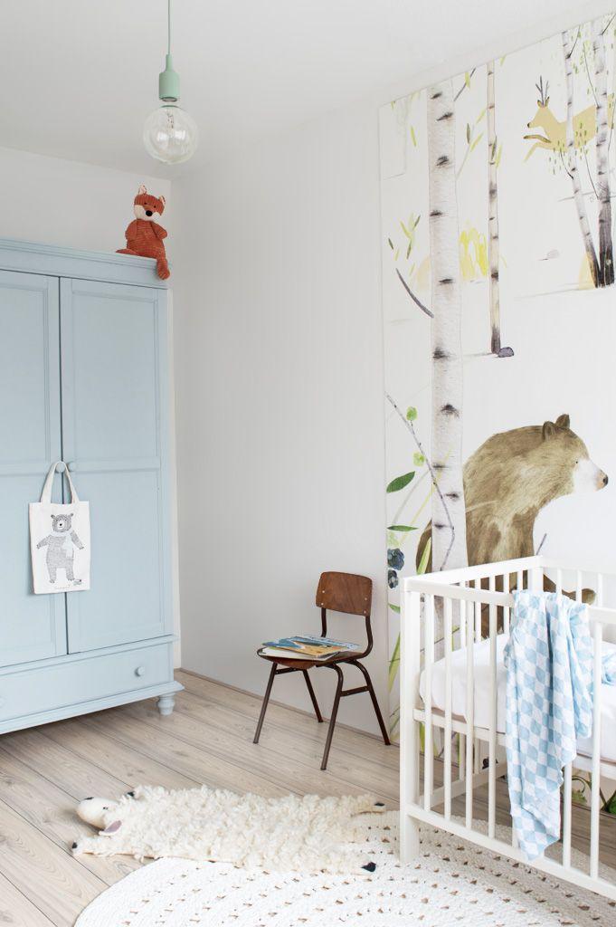 Enige tijd geleden vroeg mijn zus mij om haar te helpen met het inrichten van de babykamer. Het thema werd dieren met een frisse blauwe kleur.