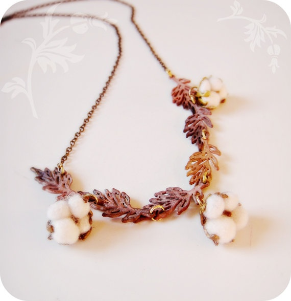Cotton Field Necklace with Raw brass leaves by jewelera on Etsy, $75.00Inspiration Jewelry, Jewelry Creations, Cotton Ideas, Brass Leaves, Ggb Ideas, Raw Brass, Fields Necklaces, Bessie Dresses, Cotton Fields