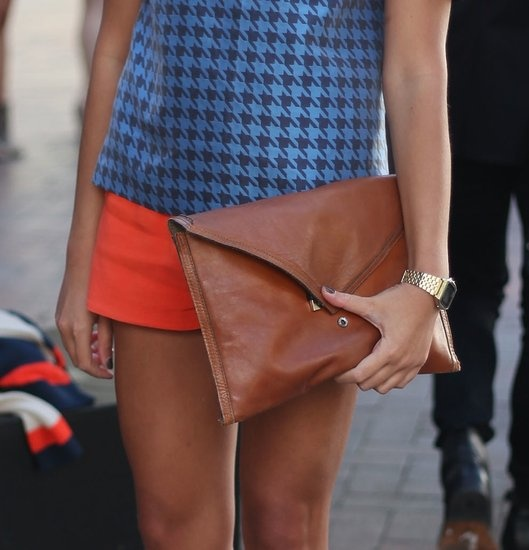 oversized clutch #streetstyle #bag #details