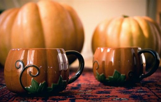 Starbucks Halloween coffee mugs used with permission of the photographer.