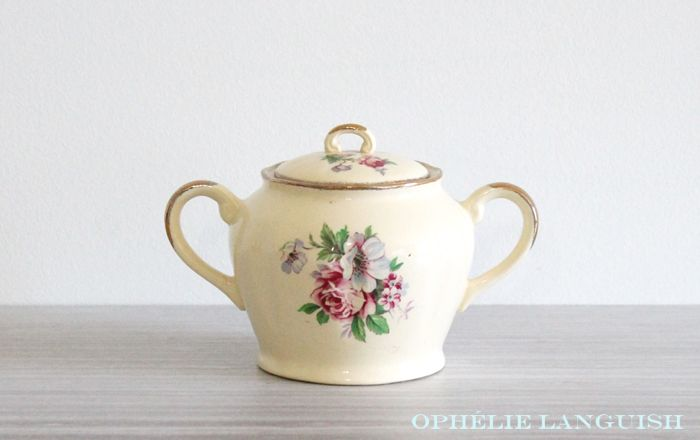 Rare Shabby Chic Vintage Pale Yellow Wm Hulme Royal Braemar Fine China Sugar Bowl & Creamer Set with Rose Floral Motif - Made in England available at Ophélie Languish. home, living, kitchen, dining, serveware, tea set, shabby chic, cottage chic, cream, pale yellow, floral, pink rose, blue flowers, royal braemar, set, wm hulme, hulme, william hulme, england, fine china, replacement china, rare, sugar bowl