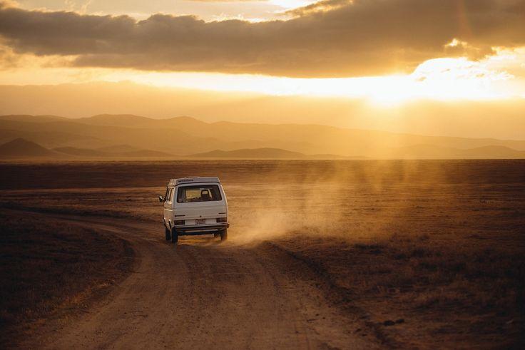 Erlebnis-Check-Liste fürs Leben: Abenteuerliche Reisen, lustige Ausflüge und magische Momente, die noch lange in Erinnerung bleiben…das sind die wahren Quellen von intensivem und dauerhaftem Glück. Wir haben für Dich eine Erlebnis-Check-Liste erstellt. Mit diesen Erlebnissen hast für Dein ganzes Leben einen großen Schatz an spannenden Unternehmungen! Der nächste Kurzurlaub kann kommen!