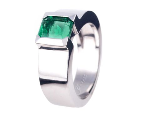 Anillo elaborado en Esmeralda y Oro Blanco #jewellery #ring #gold #luxury #emeralds