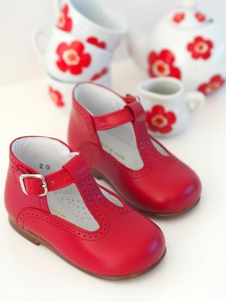 CHUPETIN RUBINRØD T-STROPP – Hola Lola #childrensshoes #kids #shoes #holalola_no