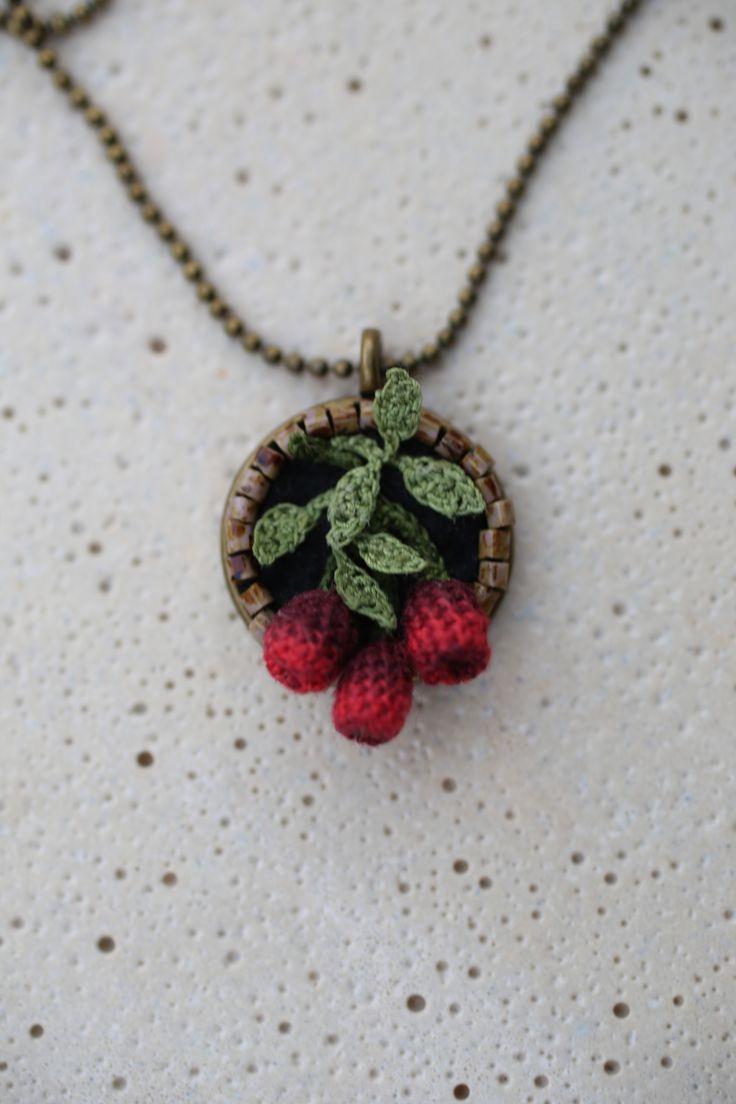 Crochet jewelry. Lora Zaitseva