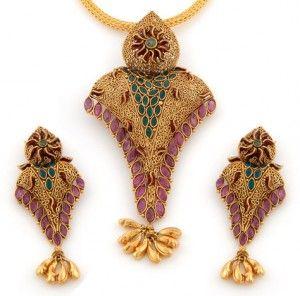Antique pendant   gold pendant set