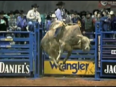 Ty Murray vs Perfect Storm - 02 PBR Greensboro (95 pts) ... I think this is a GREAT ride ... Perfect Storm can JUMP! <3