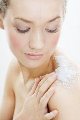 Shimmer Kisser: Using Sea Salt to fight Acne