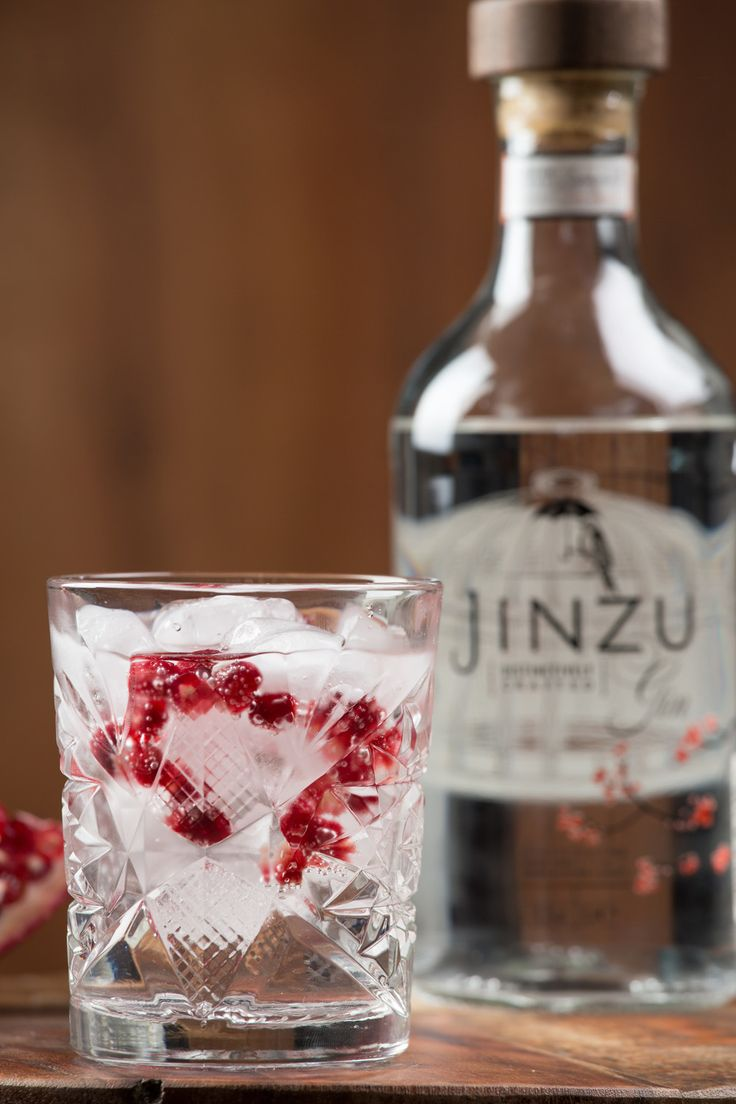 Gin Tonic with Pomegranate. We made this #Jinzu #gintonic with origanic #pomegranate delicious...