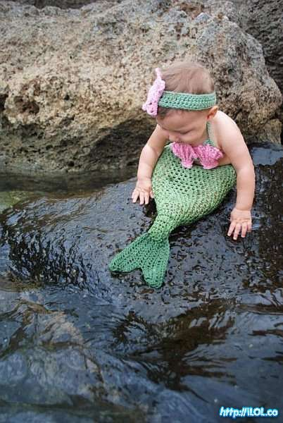 Is this little mermaid adorable, or what?!