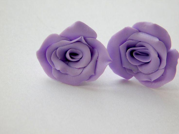 """Серьги-гвоздики """"Розочки"""" выполню в любом другом цвете на заказ. Очень приятно смотрятся. Можно подобрать под цвет глаз, гардероба.  Размеры 1,8см диаметр.  на силиконовой заглушке. Цена 400 рублей"""