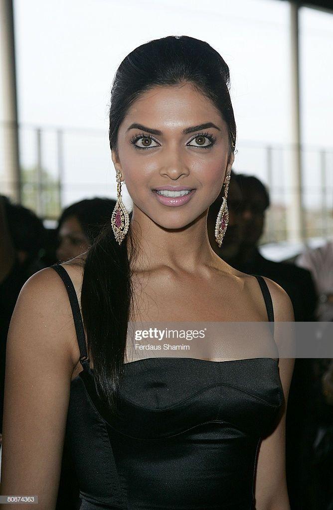 News Photo Deepika Padukone Attends The Zee Cine Awards 2008 Deepika Padukone Indian Bollywood Actress Bollywood Actress