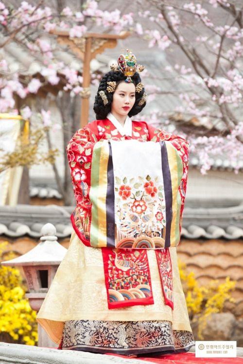 Hanbok : Korean Traditional Dress (Choseon Dynasty)