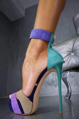 Lesbian heels vid