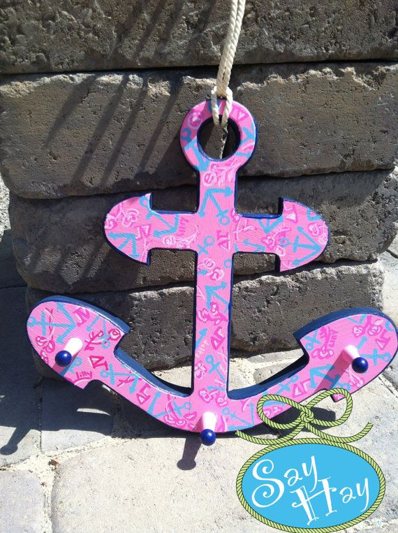 Closeup of the #delta #gamma #anchor I just painted. Love this #Lilly #Pulitzer #sorority #print & it has little pegs to hang keys or whatever, OBSESSED.