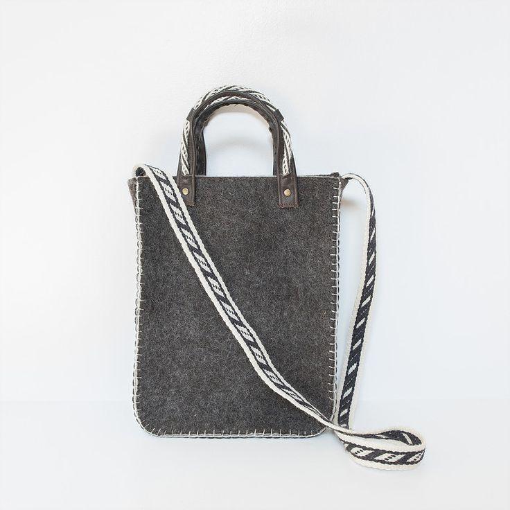 Hand bag - € 60