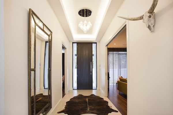 A light, bright entrance - the highlight pelmet lighting is a feature of the hallway.
