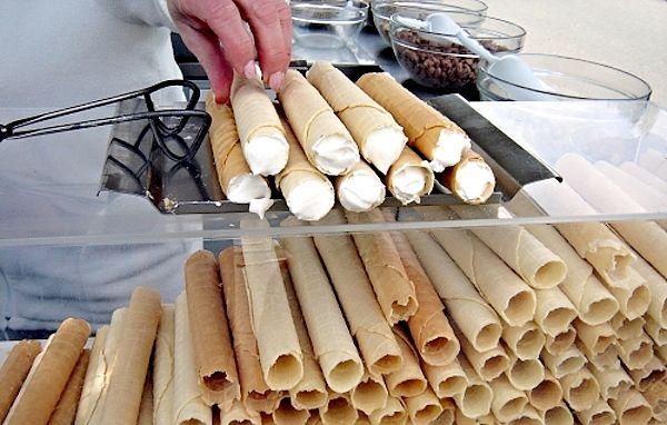 Těsto, z kterého můžeme připravit tenké křehké trubičky vhodné na plnění, například šlehačkou a podobně.