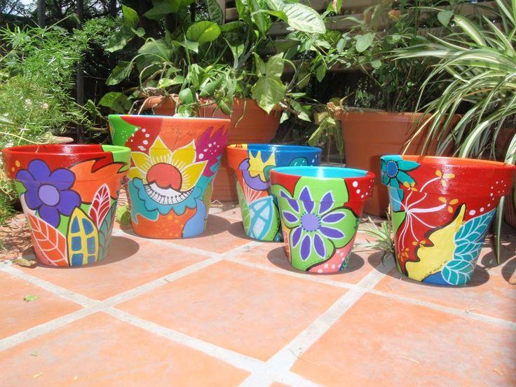 Macetas decoradas y pintadas a mano