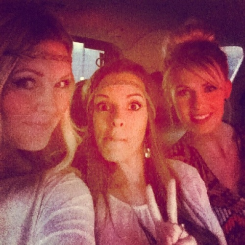HeyKayli, Mommytard, and CarlieStylez- want this relationship with sister in laws someday!