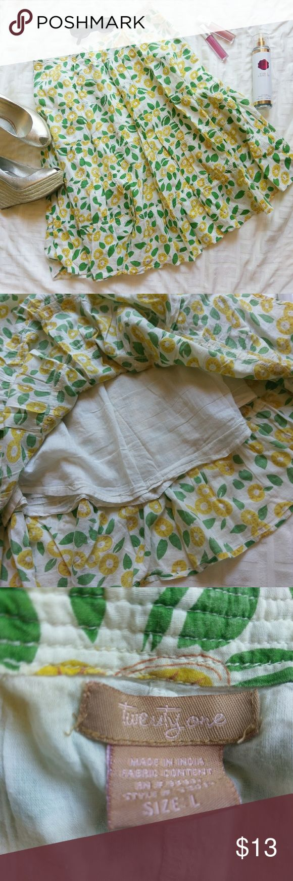 """Floral cotton A-line skirt *Price Negotiable *No Trades  Cute floral print skirt in size L. Fully lined, side zipper. 100% cotton.  Waist 32"""" Length 24.5""""  { 10% off bundles of 2+ listings } Twenty one Skirts"""