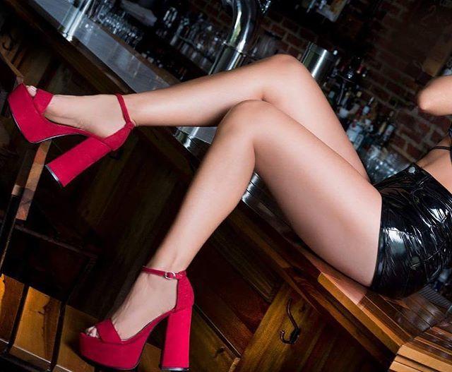 Reposting @victimadelamodashowroom: 🔥🔥🅜🅐🅡🅘🅛🅨🅝🔥🔥 👉 ᒪo ᑫᑌe ᔕoᑎ‼️😍😍😍 #Sandalias Marilyn en rojo 💋 También en negro 🖤 Si no podés venir, 🆃🅴 🅻🅾 🅴🅽🆅🅸🅰🅼🅾🆂‼️🚀 💵 E͙F͙E͙C͙T͙I͙V͙O͙ 💵| 💳 M͙E͙R͙C͙A͙D͙O͙P͙A͙G͙O͙ 💳 SHOWR💣💣M ✨ 💡 Lunes a sábados 💡 ⏰ De 15:00 a 19:30 hs ⏰ 📌 Martes y Jueves Sólo 🅴🅽🆅🅸🅾🆂 📦 🚨 Importante: SÓLO CON CITA PREVIA 🚨 ⚠️ (Mandar mensaje antes de venir) ⚠️ 🚫 No se permiten hombres 🚫 📍 Dirección por privado 📬 🅴🅽🆅🅸🅾🆂 en moto a cargo…